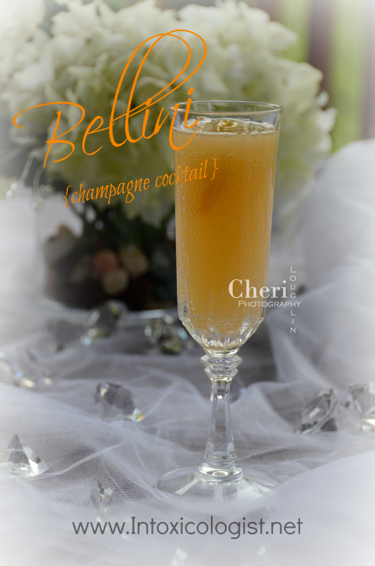 21 Must Try Classic Cocktails: Bellini