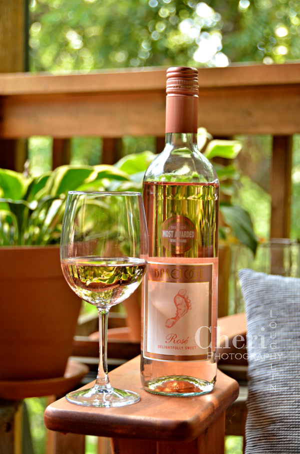 Barefoot Rosé wine is gently sweet with flavors of watermelon, sweet cherry, and red berry flavors. Perfect of any whimsical event your heart desires.