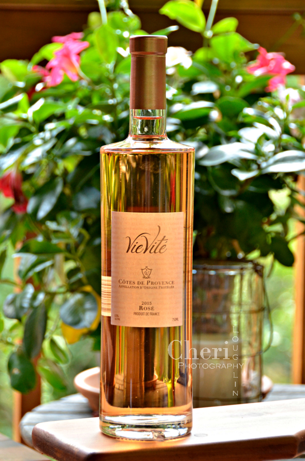 VieVité Rosé wine 2015 is approachable enough for casual sipping and elegant enough for formal entertaining at a price point that won't break your wallet.
