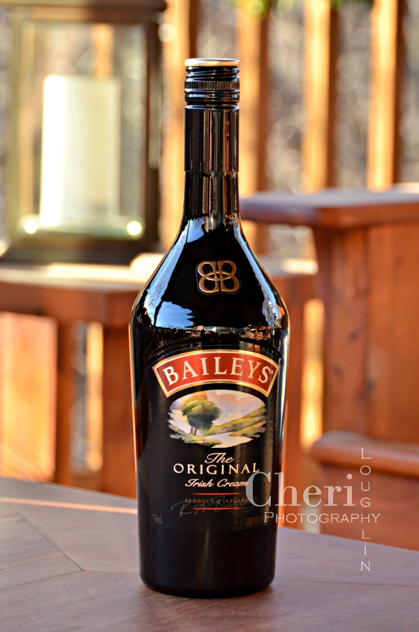 Baileys Irish Toffee Hot Chocolate is creamy, with buttery caramel notes. Stir in the marshmallows and toffee bits for a little touch of heaven!